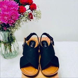 "🌺 🌻 EuroSoft ""Darla"" Sandals,Black (New)"